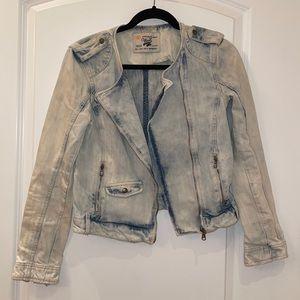 Vintage style premium wash biker denim jean jacket